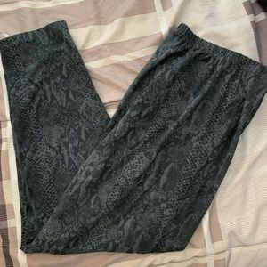Leggings, snake skin pattern, sz 3x